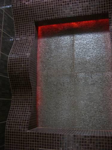 Акцентная светодиодная подсветка в сан узле