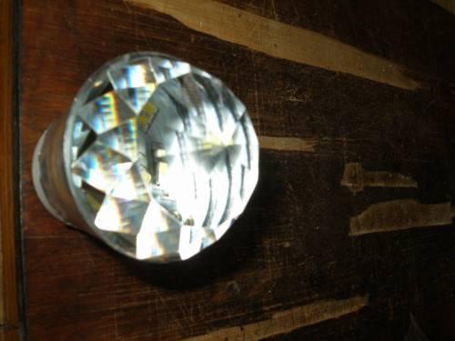 Свелодиодная лампа с хрустальной линзой